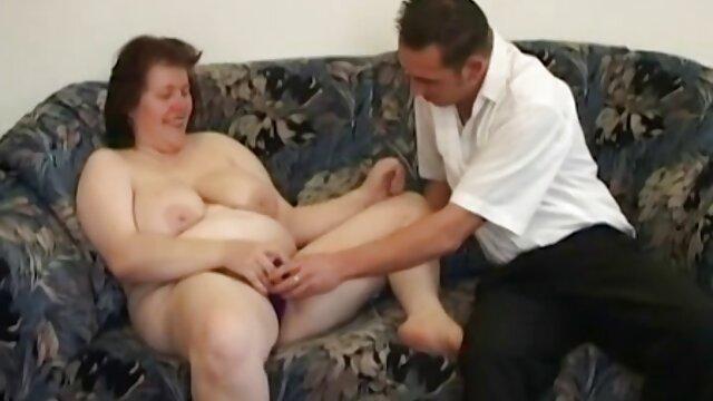 Delicato sexy lesbiche leccare dolce fighe sul porno italiano da vedere divano